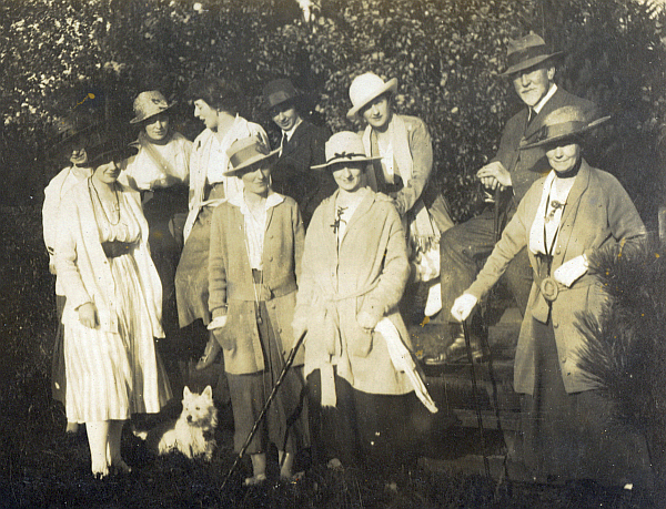 Fielding Family and Friends c1915